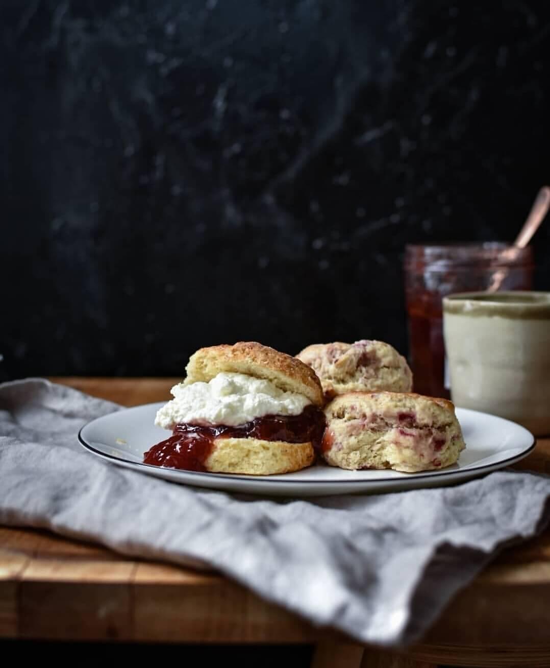 scones met clotted cream en jam