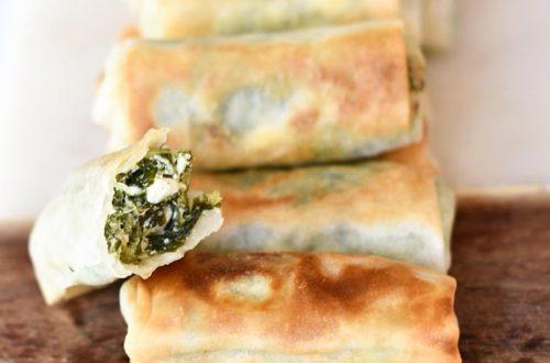 griekse loempia met feta en spinazie