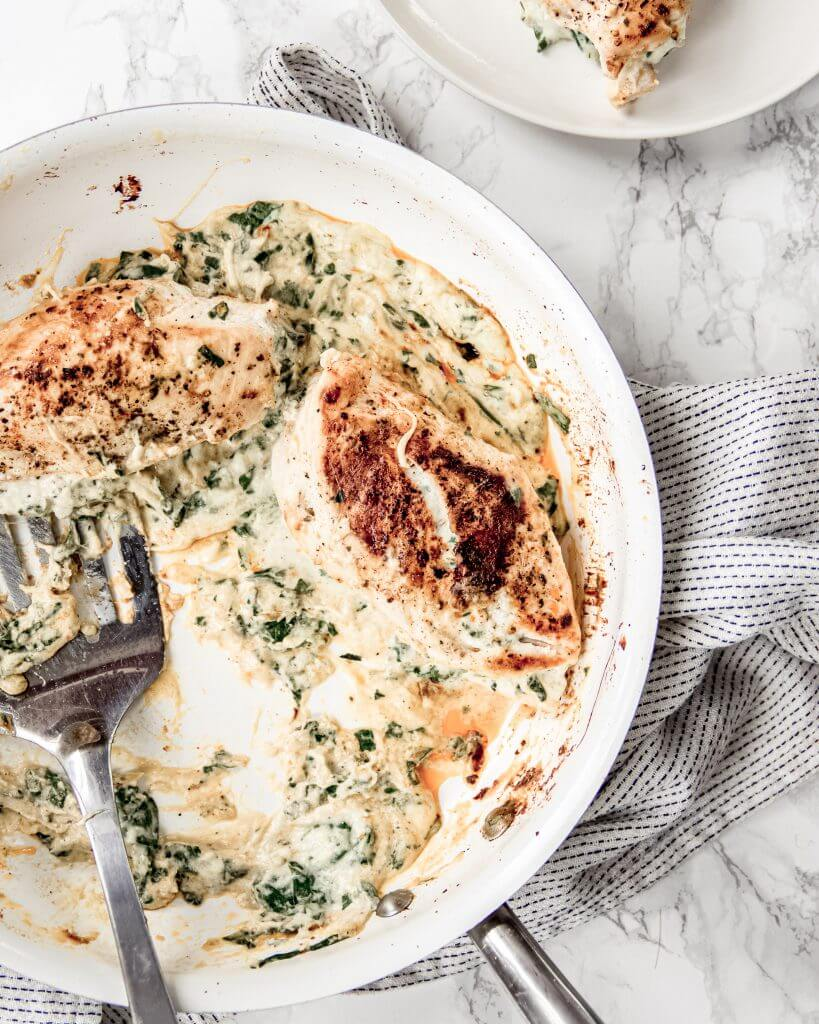 Kipfilet gevuld met een kaas spinazie saus