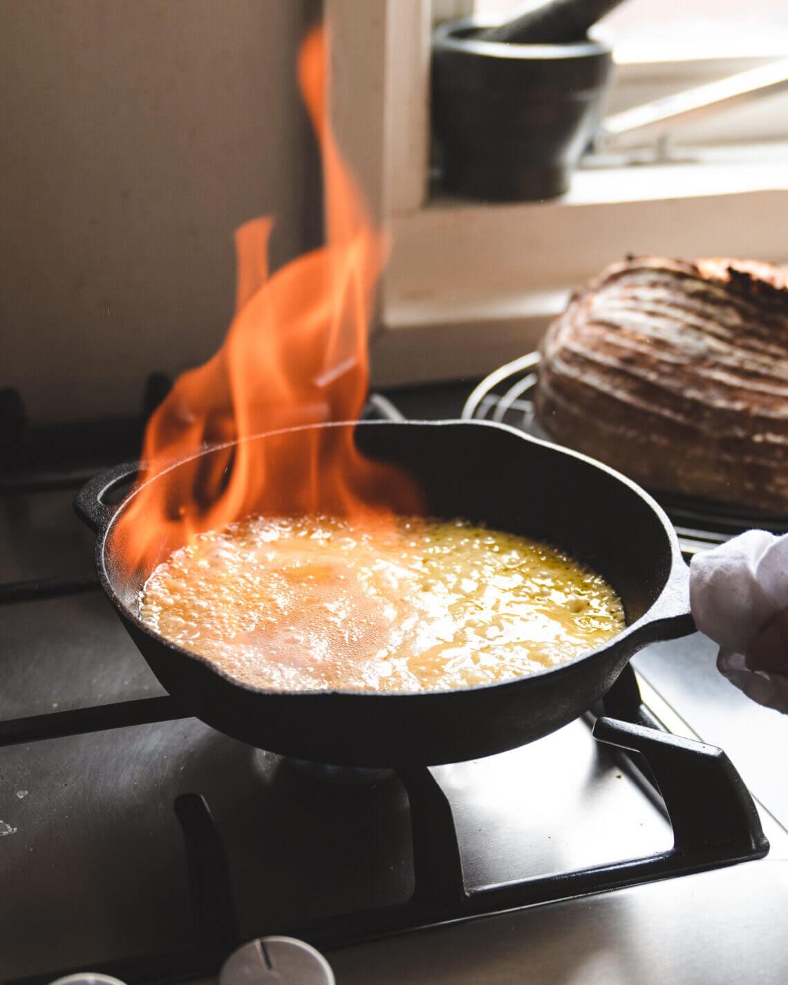 Geflambeerde kaas