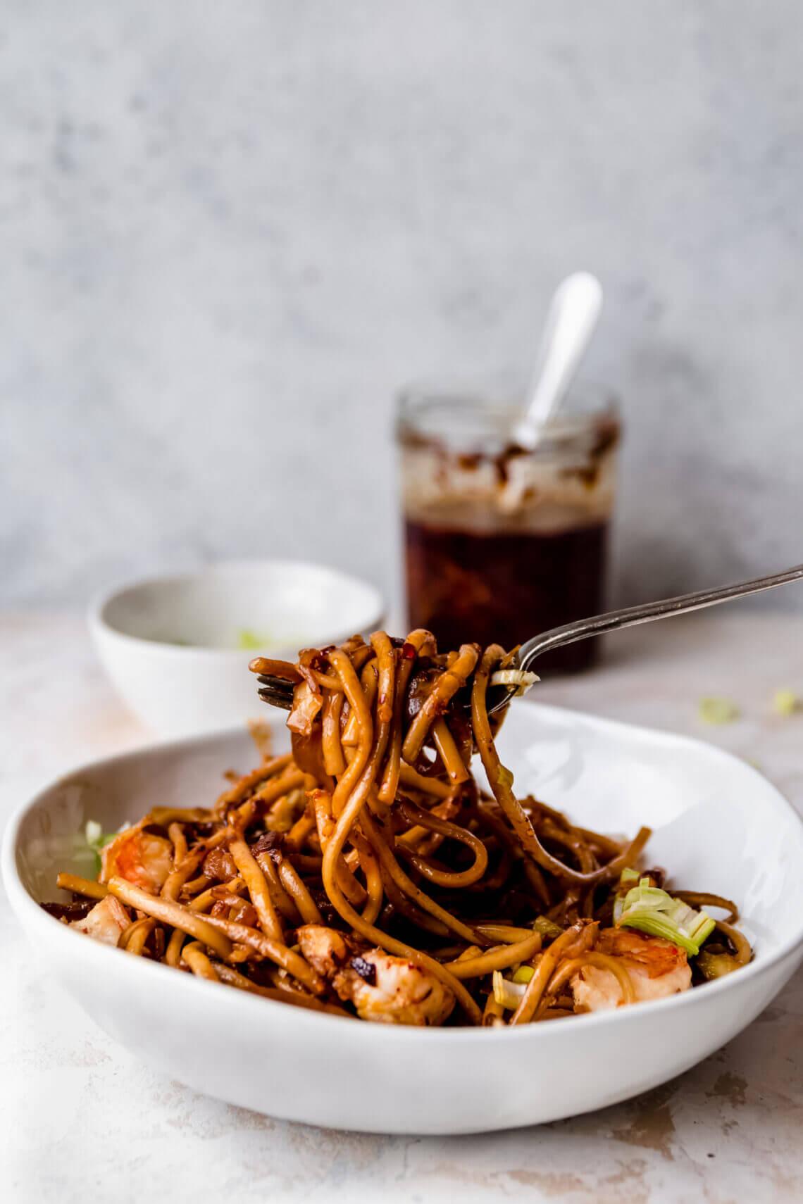 Pittige udon noodles met garnalen