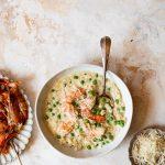 Zomerse risotto met garnalen en doperwten