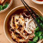 Dumpling noodle soep